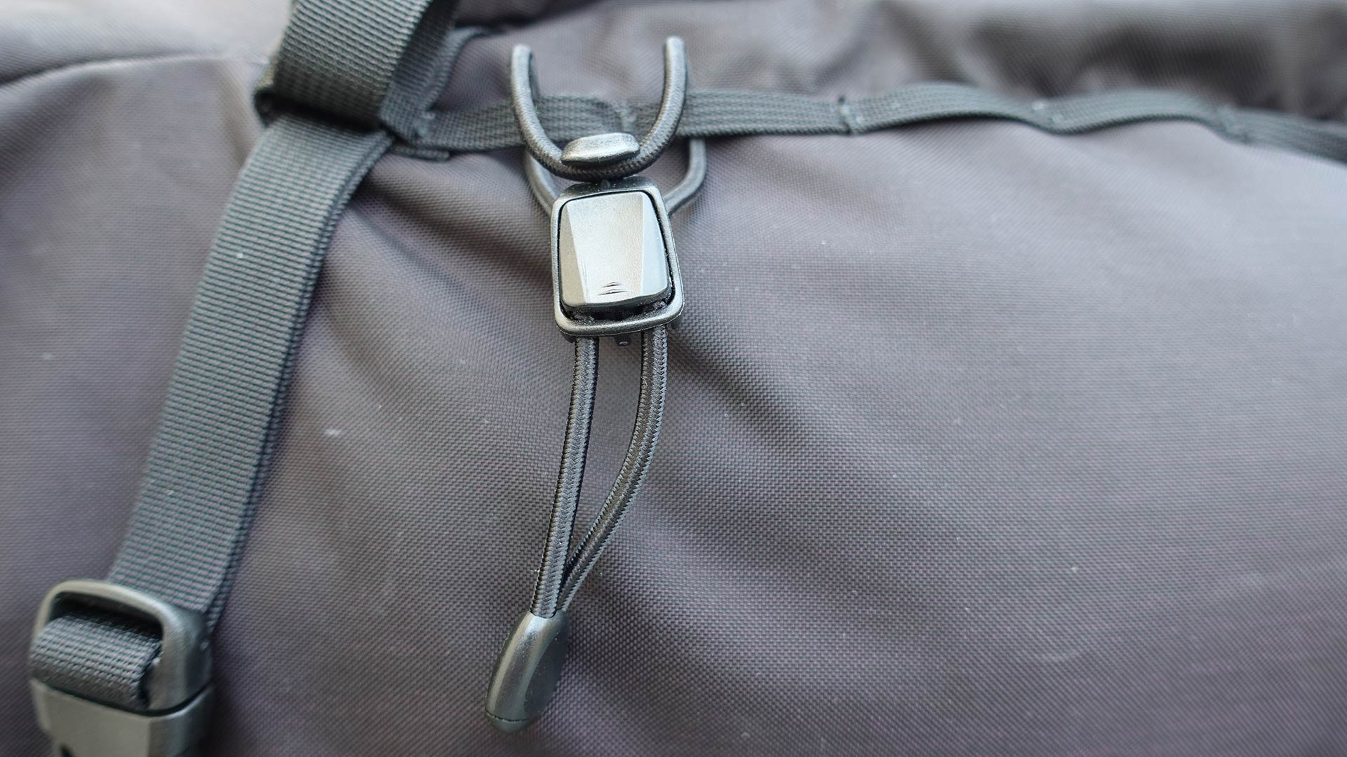 Arc'teryx Brize 32 Backpack - Trekking Pole Attachment