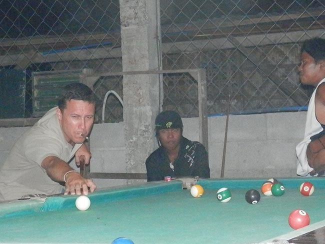 Balut Philippines Shooting Pool