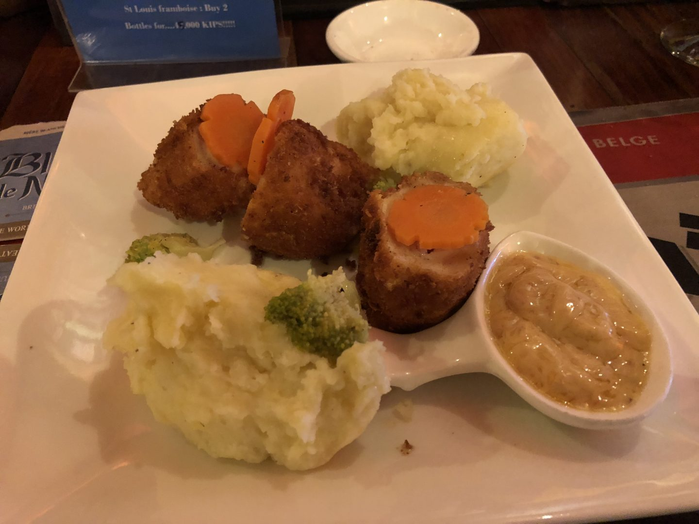 Chokdee Cafe - Belgian Beer Bar - Chicken Cordon Bleu