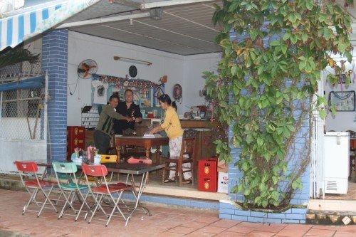 Hoas Place - Christmas in Da Nang Vietnam - 2010 - Restaurant