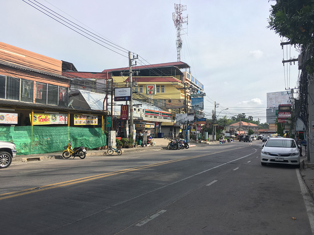 Turn Left on Soi 12 - How to Get to Naklua Fishing Pier