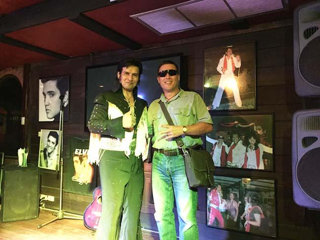 Indiana Gear Bag Saddleback Leather Elvis Show Jomtien Beach Thailand Boathouse Restaurant