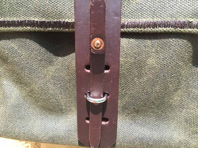 Indiana Gear Bag Saddleback Leather Mountainback Review - Latch Closeup View