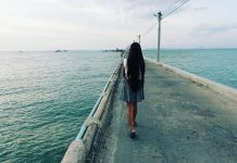 Pretty Girl Walking on the Pier - Naklua Fishing Pier - Pattaya, Thailand -Sony RX100 V Photography