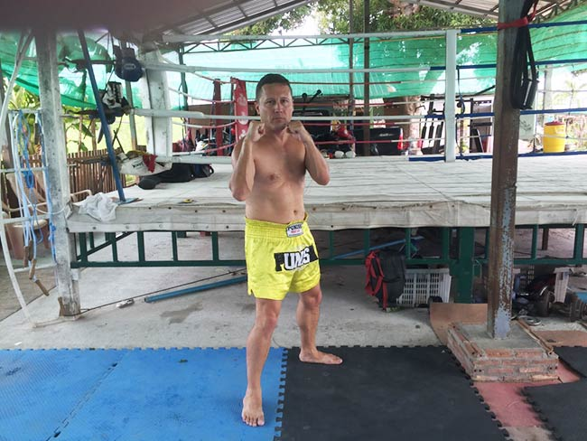 One-Hour Muay Thai Workout Plan for Expats in Thailand - Beginners