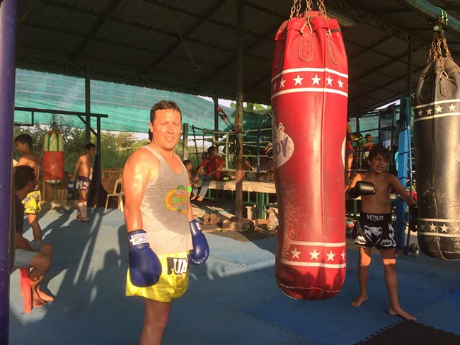 One-Hour Muay Thai Workout Plan for Expats in Thailand - Heavy Bag