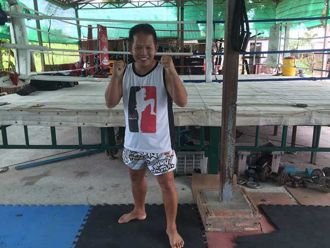 One-Hour Muay Thai Workout Plan for Expats in Thailand - Instructor