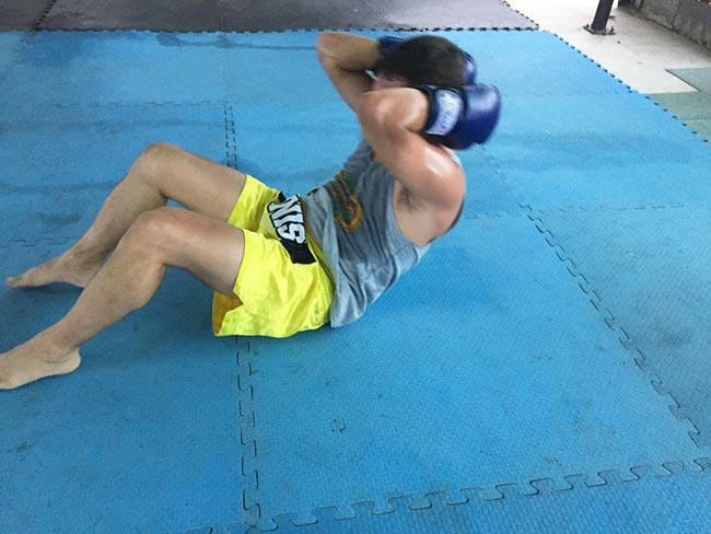 One-Hour Muay Thai Workout Plan for Expats in Thailand - Sit Ups