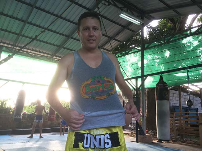 One-Hour Muay Thai Workout Plan for Expats in Thailand - Sweating