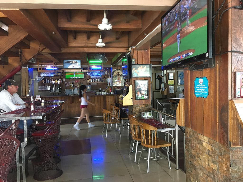 Phillies Sports Grill & Bar - Angeles City, Philippines - Watch Baseball Games