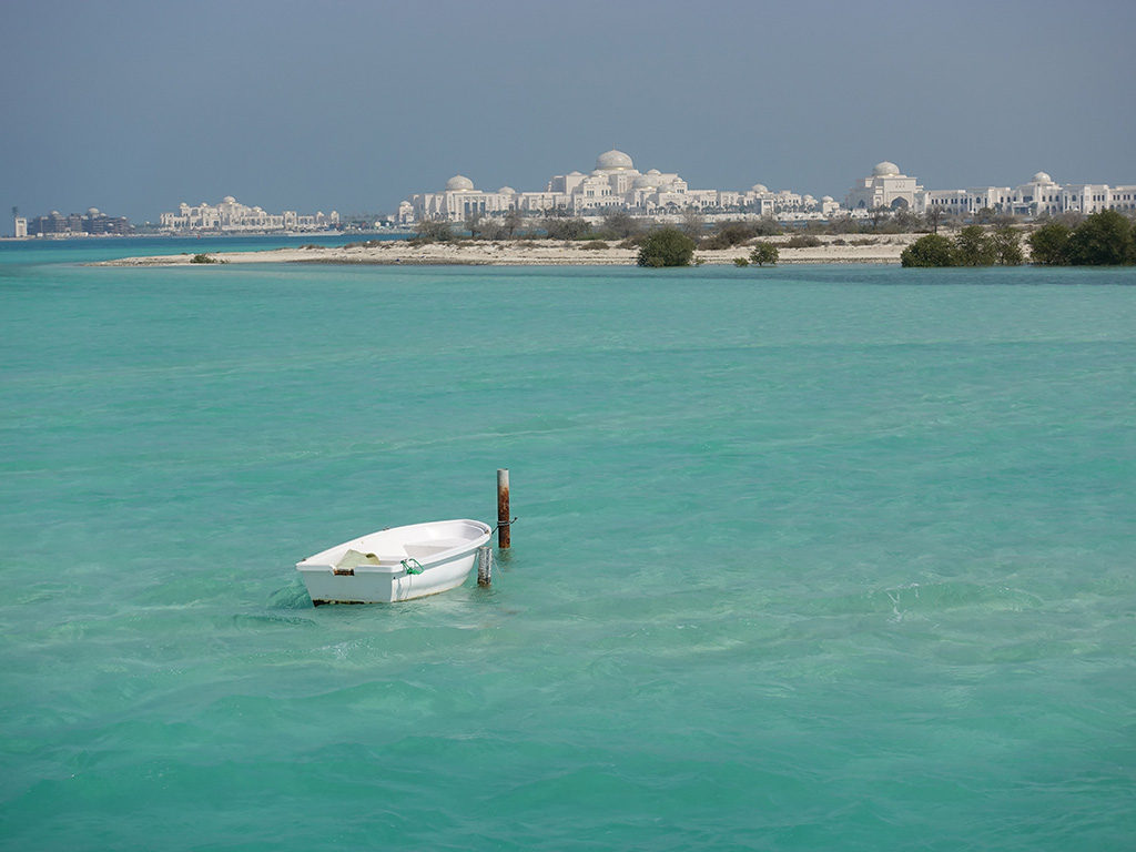 Presidential Palace - Abu Dhabi Beautiful Scenery with Small Rowboat - Sony RX100 V