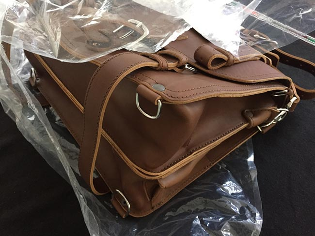 Saddleback Leather Classic Briefcase - Large - Tobacco - The Most Interesting Travel Bag - Inspected by Customs - Unboxing
