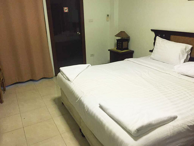 Silver Gold Garden Suvarnabhumi Airport Hotel Review Bangkok Thailand Room View Bed Cheap Rates