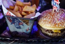 Stars N Bars - Abu Dhabi, UAE - Bacon Cheese Burger & Steak Fries