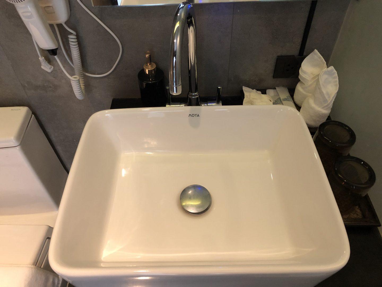 Tera Hotel Vientiane Laos Sink