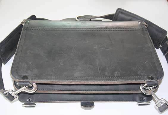 Thin Briefcase Saddleback Leather After 3 Months - Carbon-Black